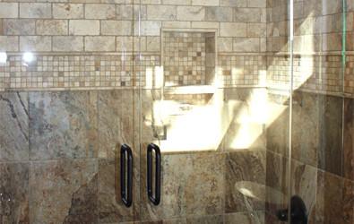 New European Frameless Bathtub Doors