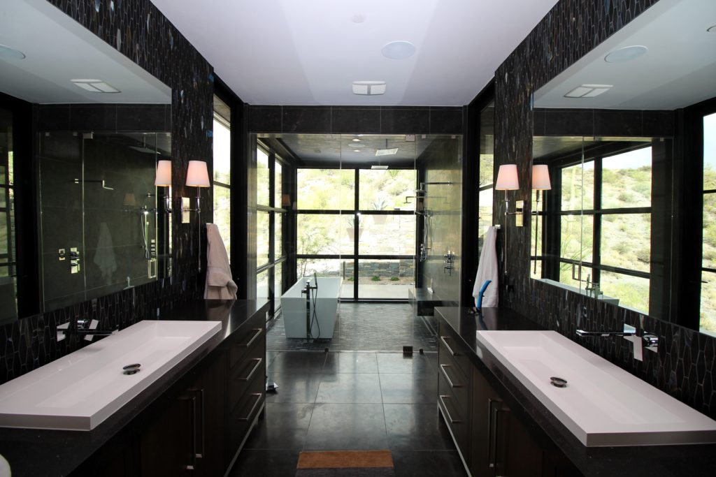 Soak room with steam shower glass